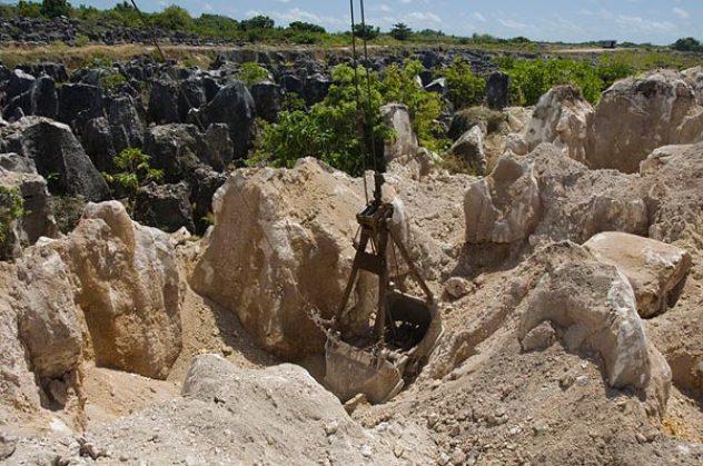 nauru-phosphate-mining-96