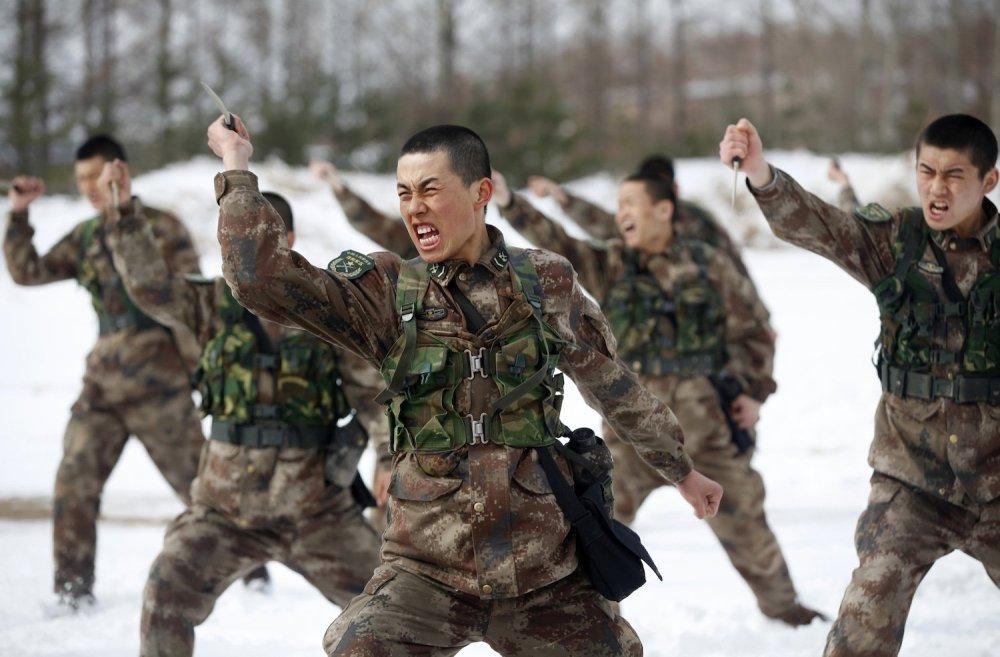soldati in esercitazione