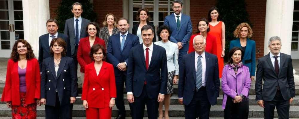 foto_oficial_del_nuevo_gobierno_de_espana_presidido_por_pedro_sanchez_fuente_moncloa