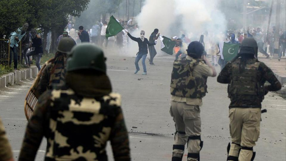 india-kashmir-unrest-pakistan_baa72468-5a3c-11e7-a18d-042ec35e3331