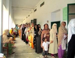 Dal cricket alla politica, il Pakistan sceglie Imran Khan