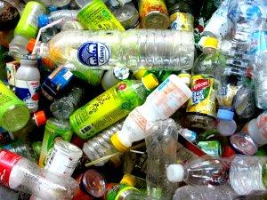 Plastica monouso: messa al bando dall'UE