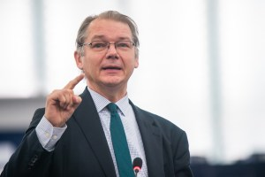 Road to the European elections: interview with P. Lamberts, co-chair of the Greens/EFA