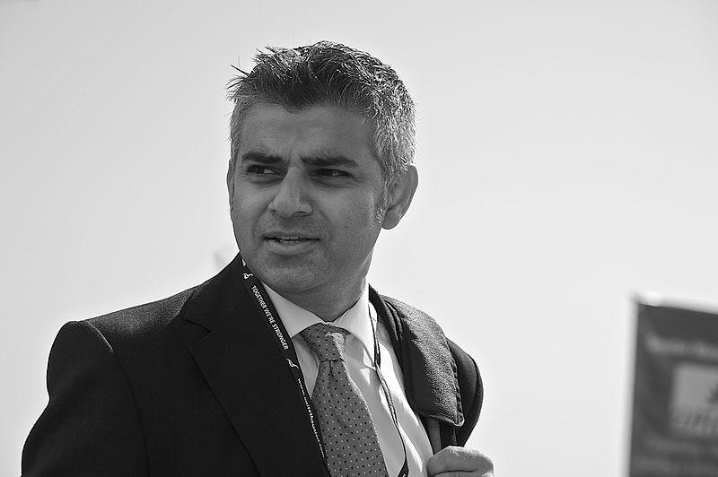 Sadiq_Khan,_September_2009.jpg