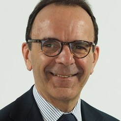 Stefano Parisi. Fonte: Wikimedia Commons (https://commons.wikimedia.org/w/index.php?curid=67105318)