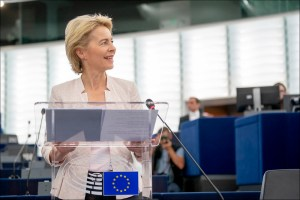 """La diplomazia europea al lavoro: tra """"geopolitical Commission"""" e limiti istituzionali"""