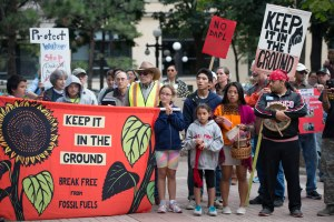Dakota Access: la rivolta dei nativi contro l'oleodotto