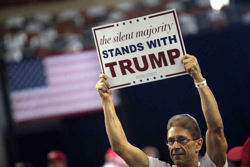 Donald_Trump_supporter_(27761513565)