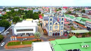 L'Altra America: Suriname