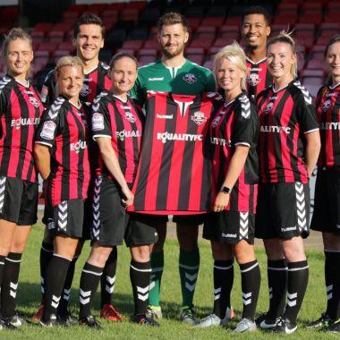 club inglés, equidad de género, Lewes FC, Salarios, Inglaterra, femenil, varonil, FA División Sur, LatestTV