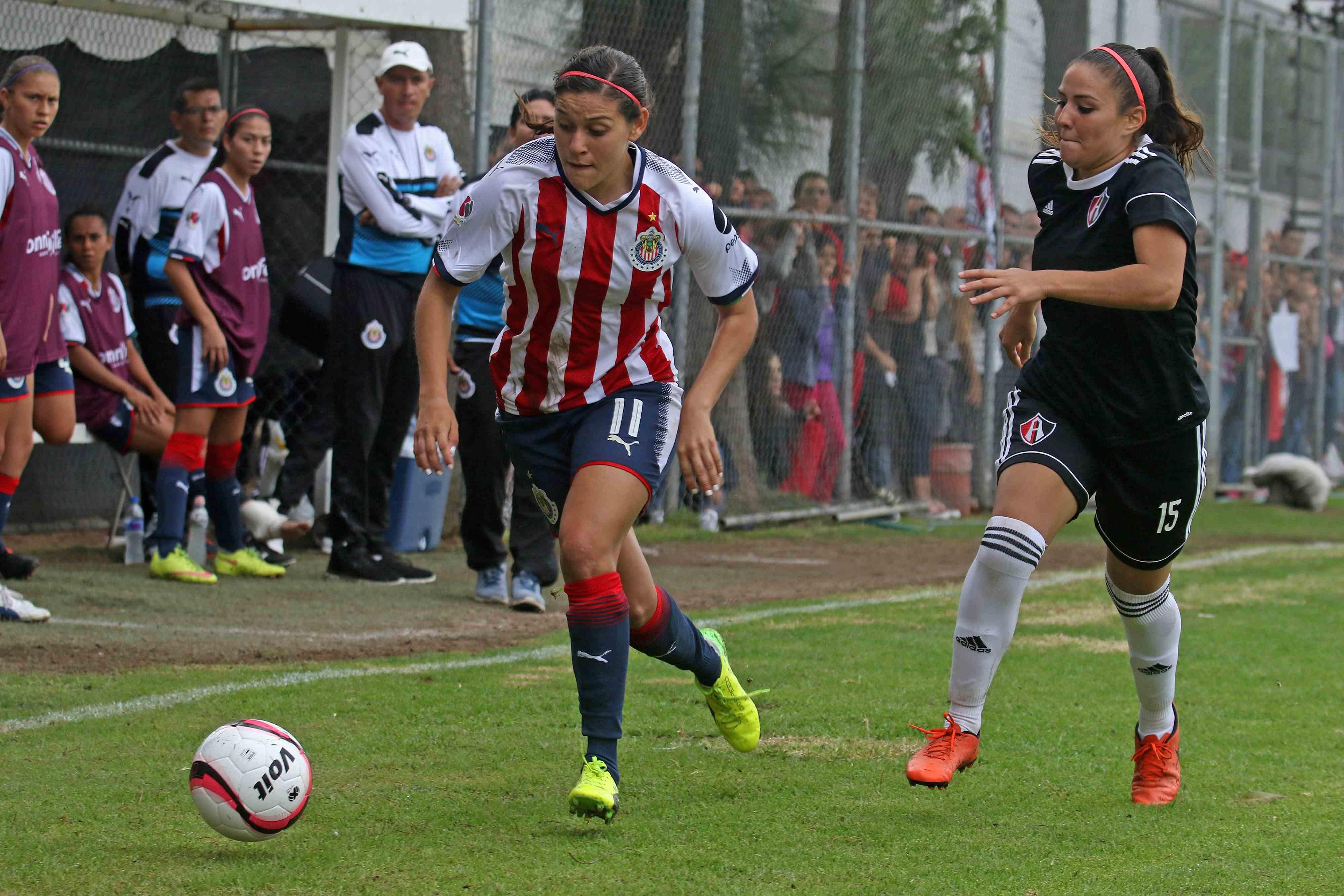 Chivas femenil, entrenador, Luis Fernando Camacho, falta disposición, equipo, Liga MX femenil