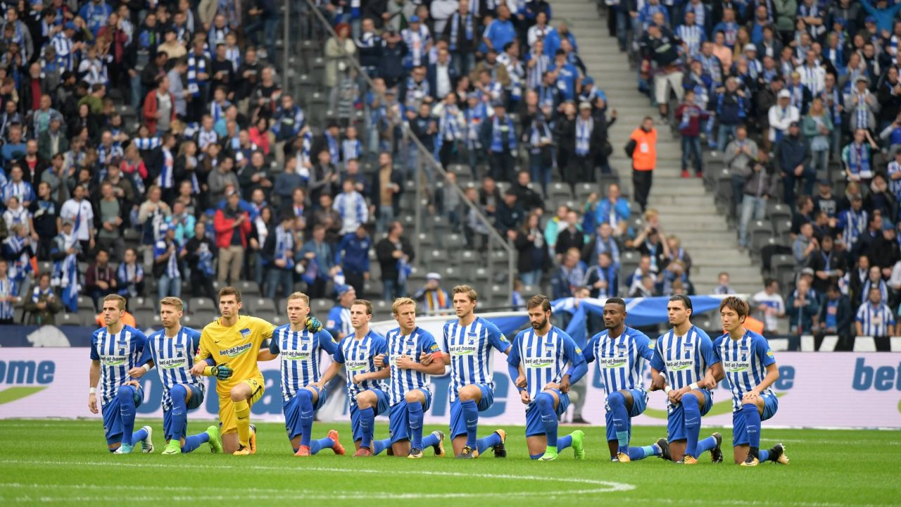 Bundesliga Protestas NFL Herta Berlin Schalke 04