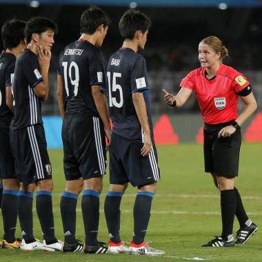 Esther Staubli Mundial mujer árbitro Sub 17 Japón