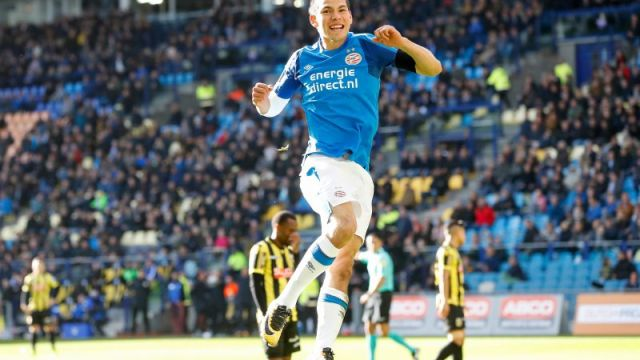 Holanda Hirving Lozano PSV Cántico Afición