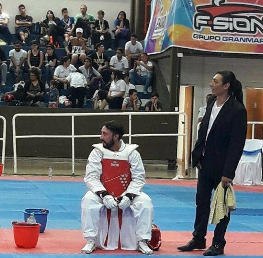 Maximiliano Javier Almandoz riñon taekwondo 15 años