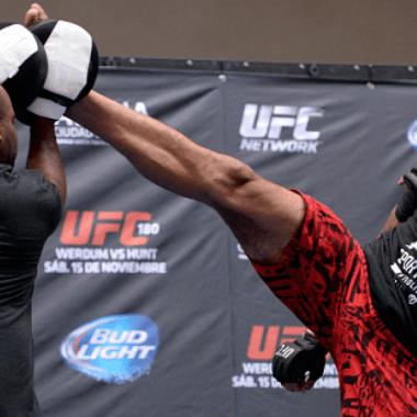 Fabricio Werdum video boomerang UFC Australia Colby Covington