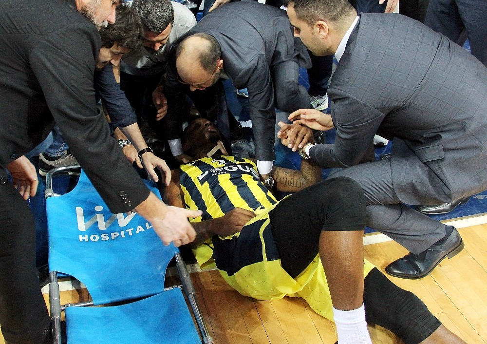 James Nunnally Caída Fenerbahce Video Lesión Baskonia