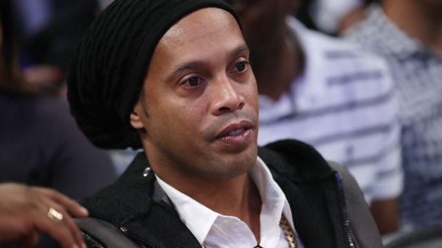 Hermano, Roberto de Asis, Ronaldinho, confirma retiro, brasileño, futbol profesional, ya no jugaba, Querétaro, Barcelona, partido de despedida