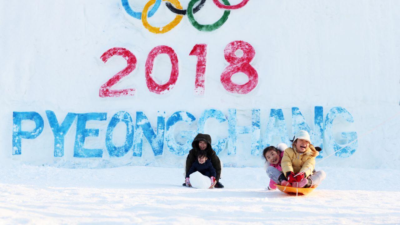 Corea del Norte, Corea del Sur, unifican, forman, equipo, femenil, hockey sobre hielo, desfilar juntas, Juegos Olímpicos de Invierno, Pyeongchang, 2018