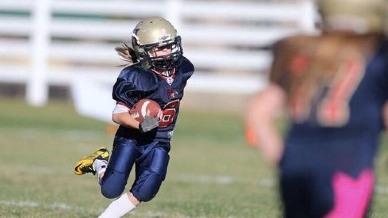 mujeres futbol americano contusiones riesgos CTE ligas