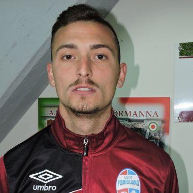 Davide Iovinella, jugador italiano, dejó el futbol por el porno