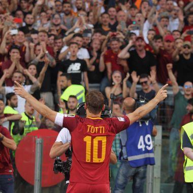Totti Roma Gol Tiro Libre Futbol Cinco