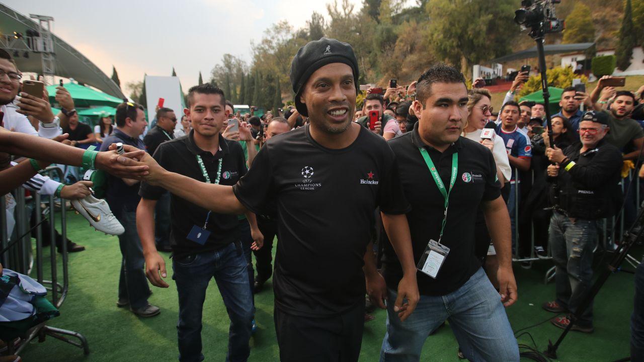 Intenta Defraudar, Partidos Amistosos, Veracruz, Durango, Promotor, Ronaldinho, México, Aficionados, Dinho
