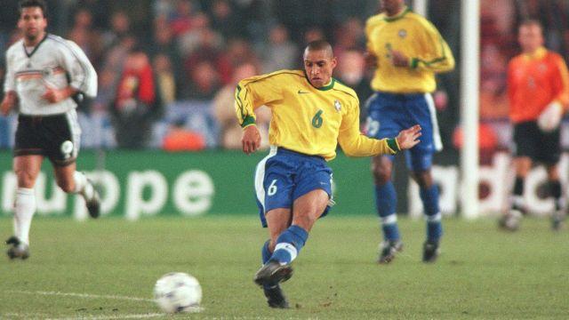 Roberto Carlos y el recuerdo de que la magia en el futbol existe [VIDEO]