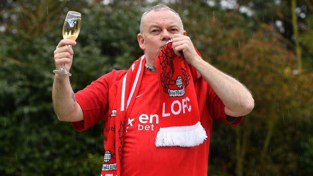 Paul Long millonario gracias al Leyton Orient de la Conference Premier