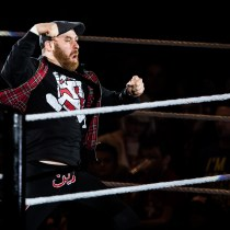 Luchador WWE ayuda gente Siria fundación