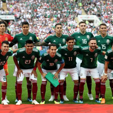 MOSCOW, RUSSIA - JUNE 17: The Mexico team pose for a team photo prior to the 2018 FIFA World Cup Russia group F match between Germany and Mexico at Luzhniki Stadium on June 17, 2018 in Moscow, Russia.
