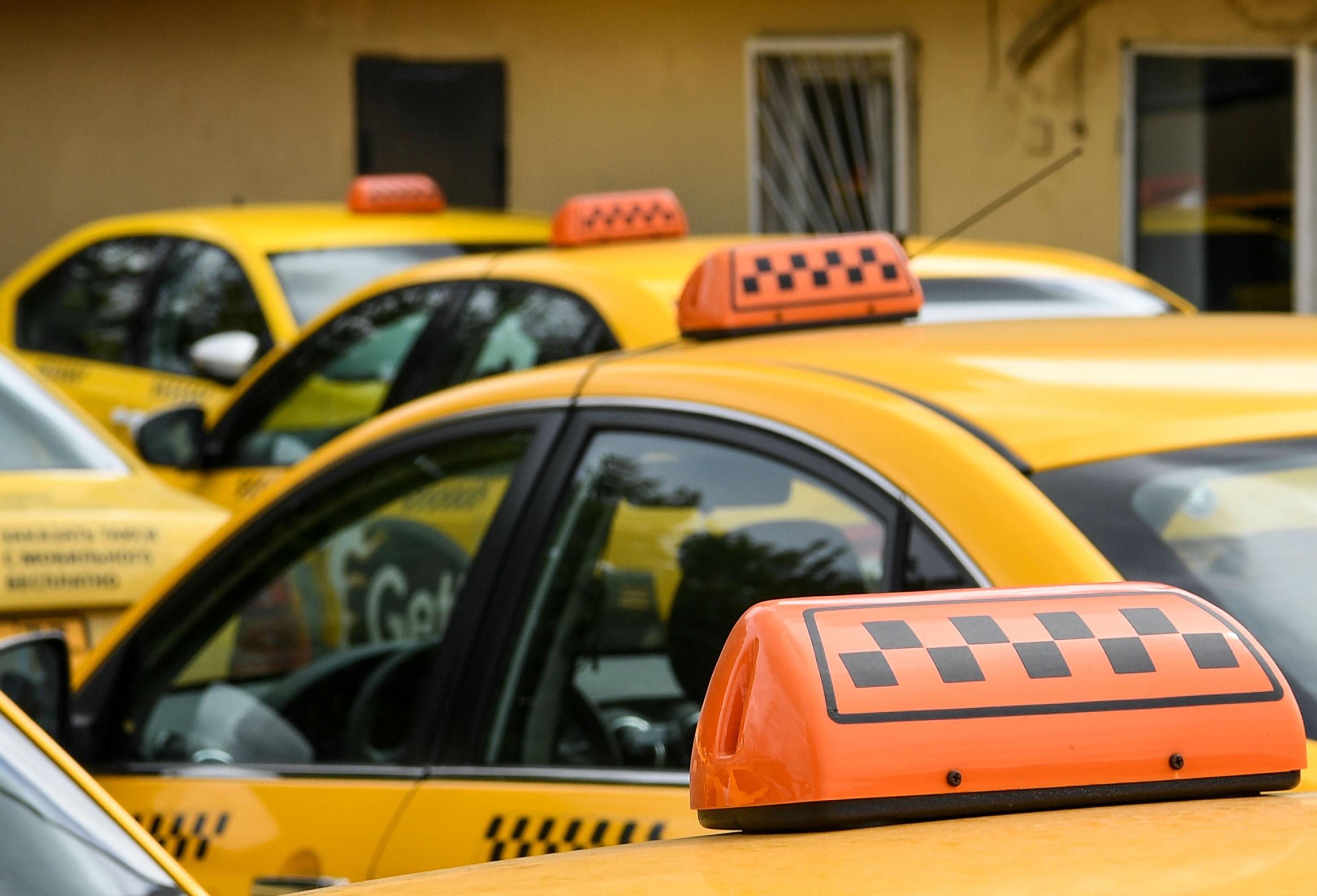 Taxis Rusos Estafan Aficionados Mundial Rusia