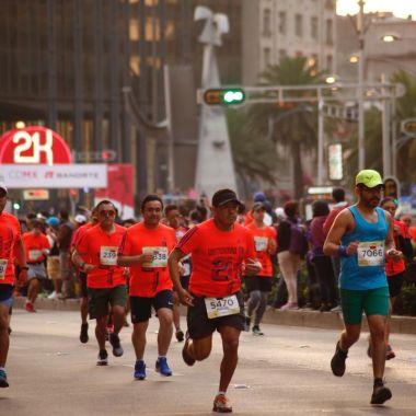 Fallecen dos corredores en el Medio Maratón de la CDMX por infarto