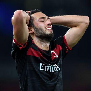 AC Milan Escribió Mal Nombre Refuerzo AC Milan Nuevo Uniforme AC Milan Estrena Uniforme Visitante
