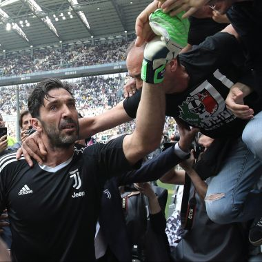 La emotiva carta de despedida que le dedicó Juventus a Buffon