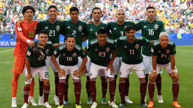 SAMARA, RUSSIA - JULY 02: Mexico pose for a team photo during the 2018 FIFA World Cup Russia Round of 16 match between Brazil and Mexico at Samara Arena on July 2, 2018 in Samara, Russia.