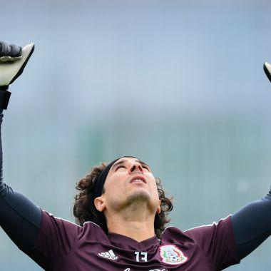 Guillermo Ochoa, Fichaje, Napoli, Serie A