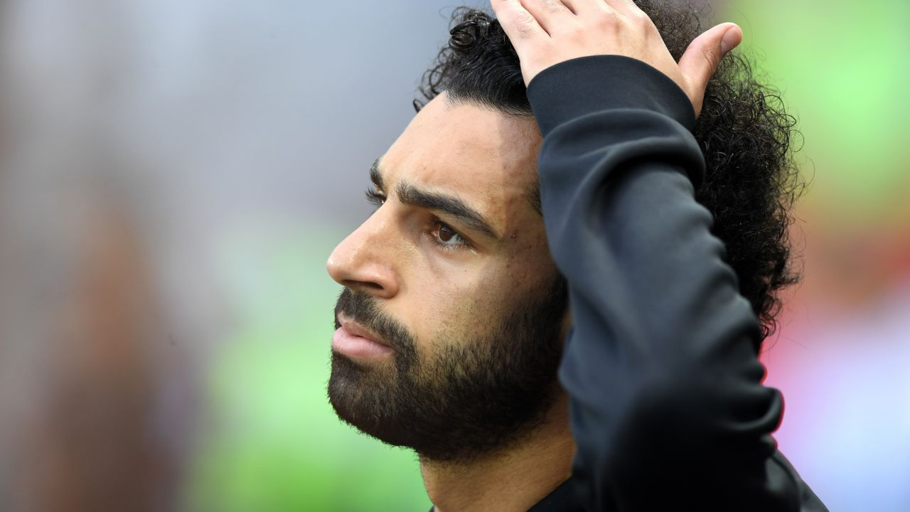 Salah Denunciado Liverpool Utilizar Celular Conduce