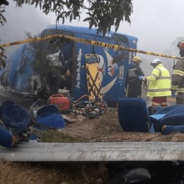 Mueren 12 aficionados del Barcelona en accidente de carretera