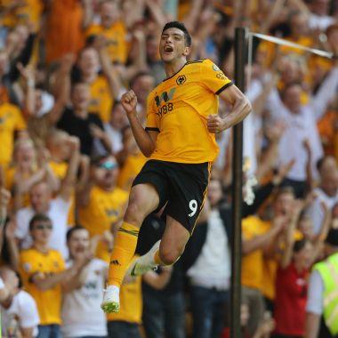 Raúl Jiménez debuta en la Premier League con gol [Video]