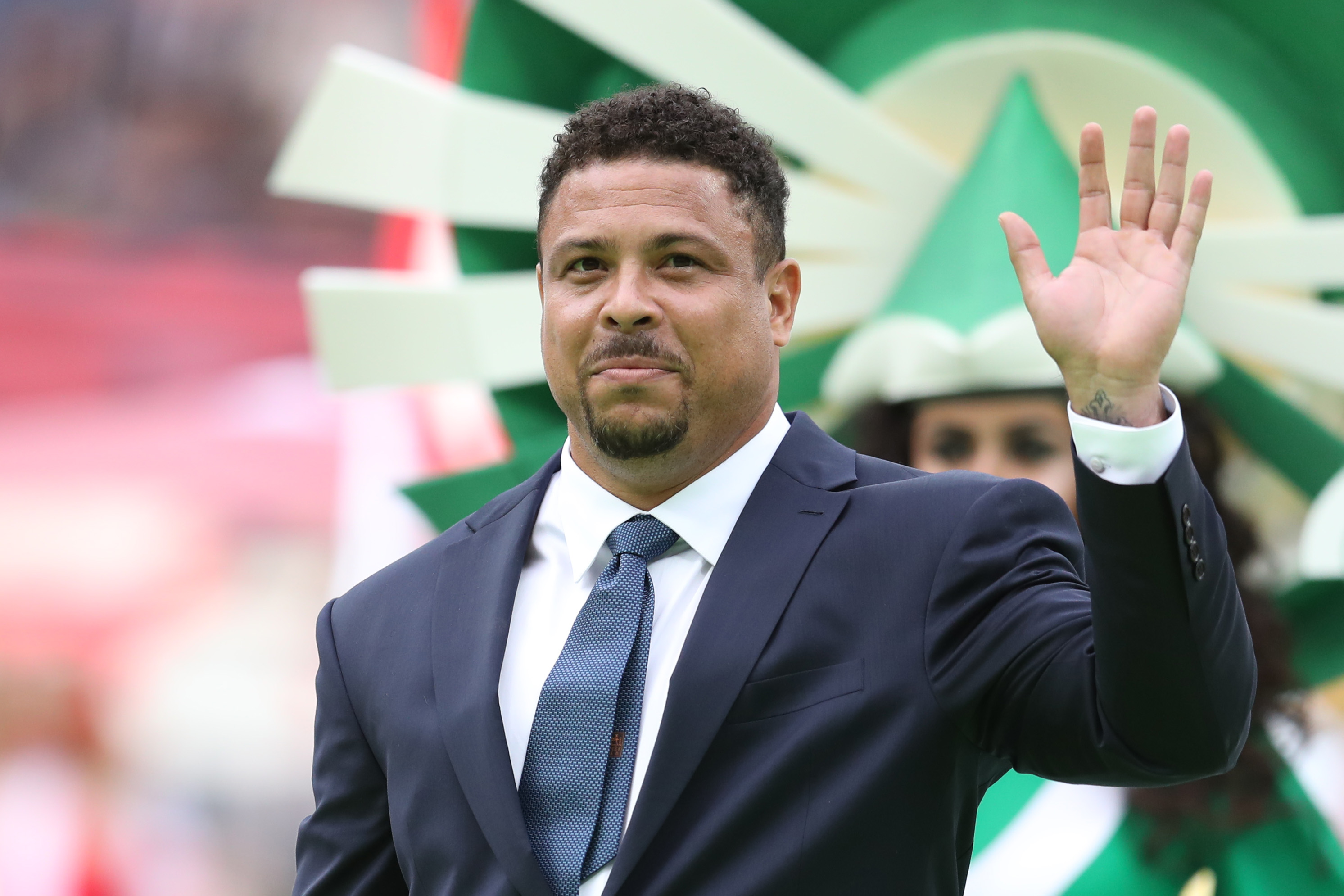 Ronaldo fue internado de urgencia en España