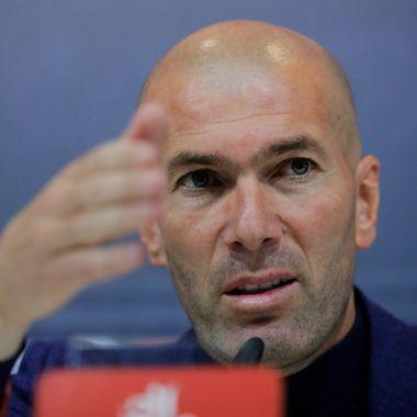 Zinedine Zidane dirigiría en la Premier League