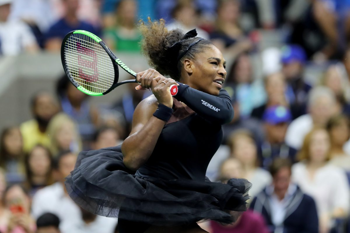 Cáncer de Mama, Serena Williams, Campaña, Topless, Canta, I Touch Myself
