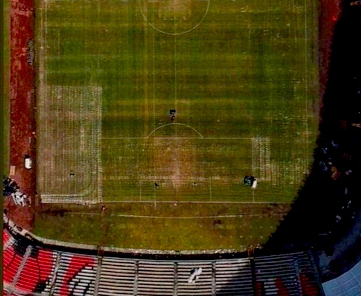 Césped Estadio Azteca Los Pleyers