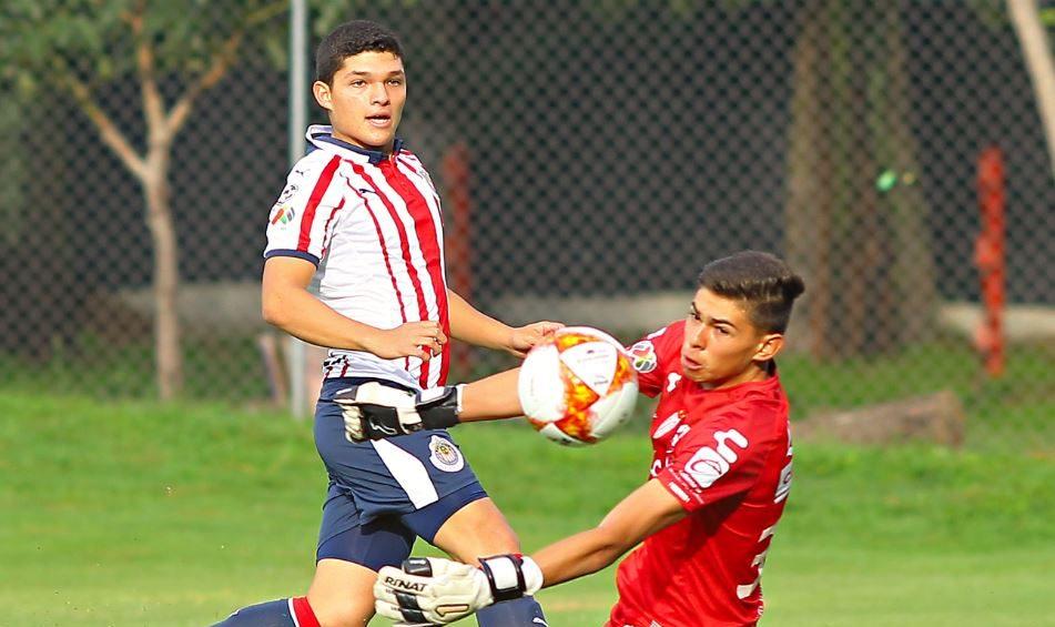 Sebastián Martínez Chivas Mejor Chicharito Los Pleyers