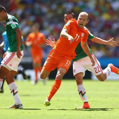 Arjen Robben podría ser compañero de mexicanos en Europa