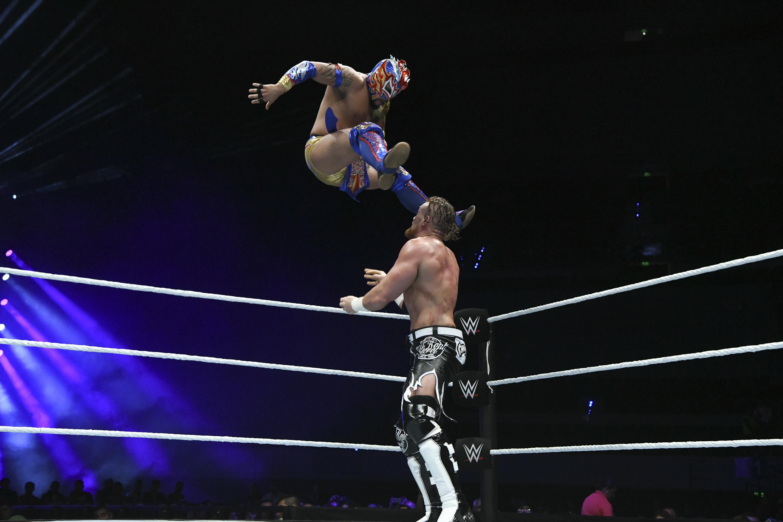 Kalisto WWE Mexico Arena Ciudad de Mexico Kalisto Buddy Murphy
