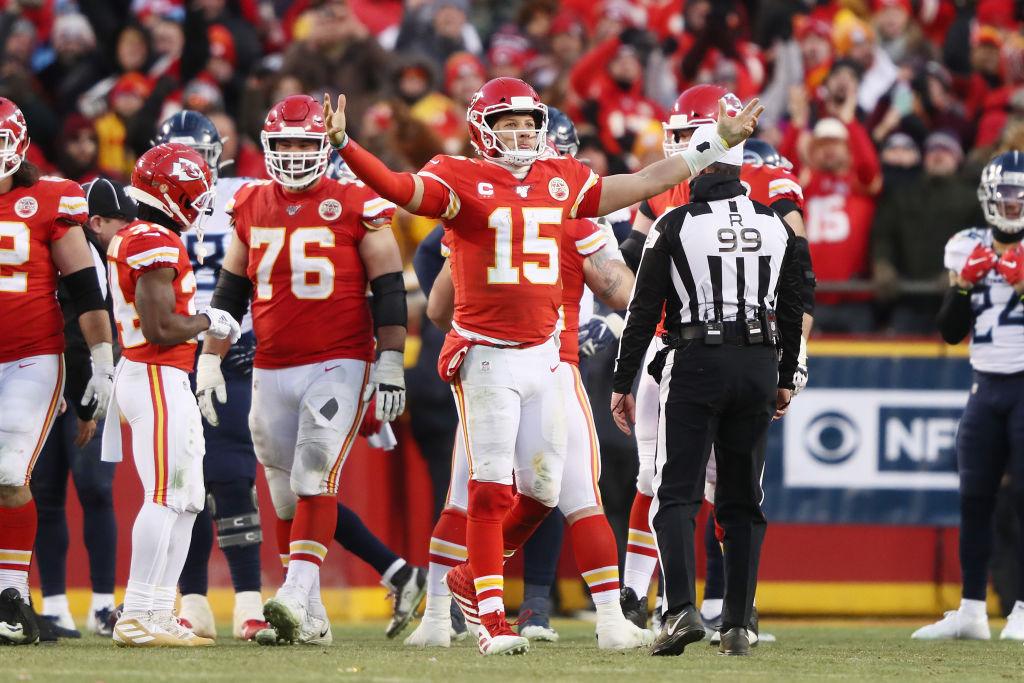 19/01/2020. Chiefs Super Bowl Muertos Video Los Pleyers, Mahomes y otros compañeros celebran una jugada.