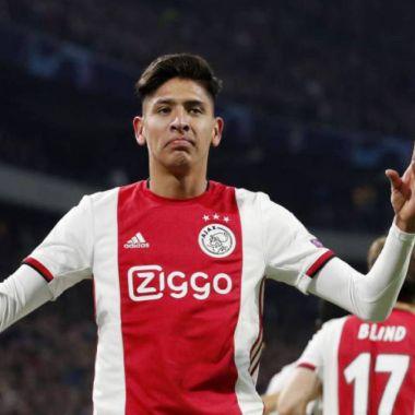 19/01/2020. Edson Álvarez Ronald de Boer Ajax Ryan Gravenberch Los Pleyers, Edson Álvarez festeja un gol con el Ajax.