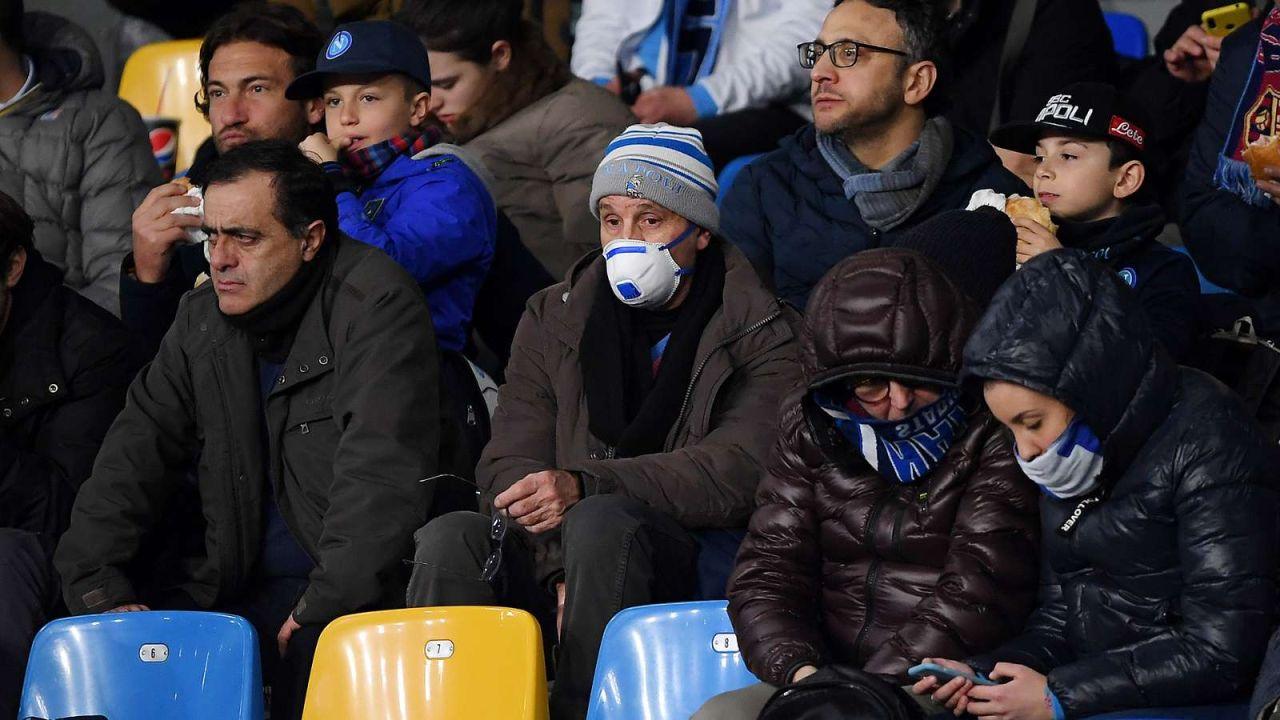 27/02/2020. Champions League Coronavirus Valencia vs Atalanta Periodista Los Pleyers, Aficionados del Napoli.